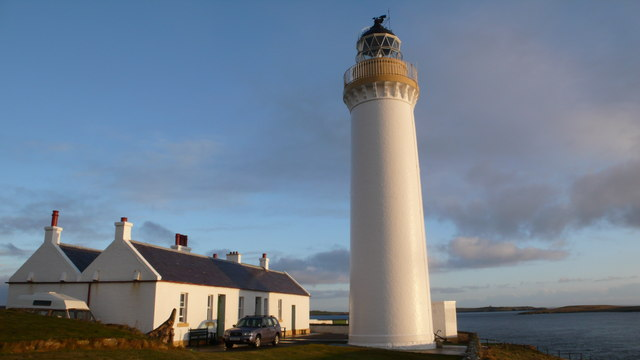 Cantick-Head-Lighthouse-Compound-Calum-McRoberts