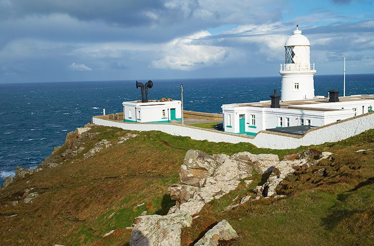 Pendeen Lighthouse Holidays