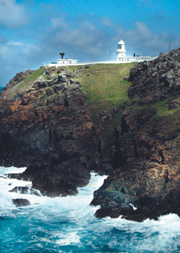 Lighthouse Pendeen Trinity 2
