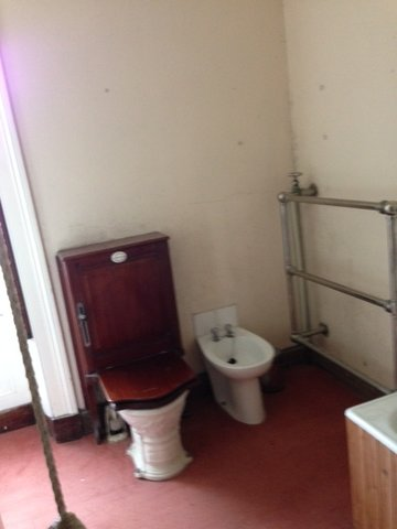 A Skervuile WC