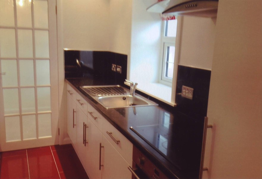 Strathy Lighthouse EngRm Flat Kitchen 2RSZ
