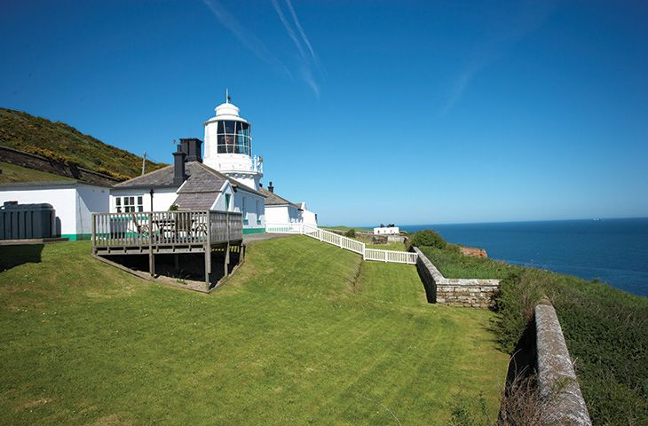 Whitby Lighthouse Rural Retreats MAIN