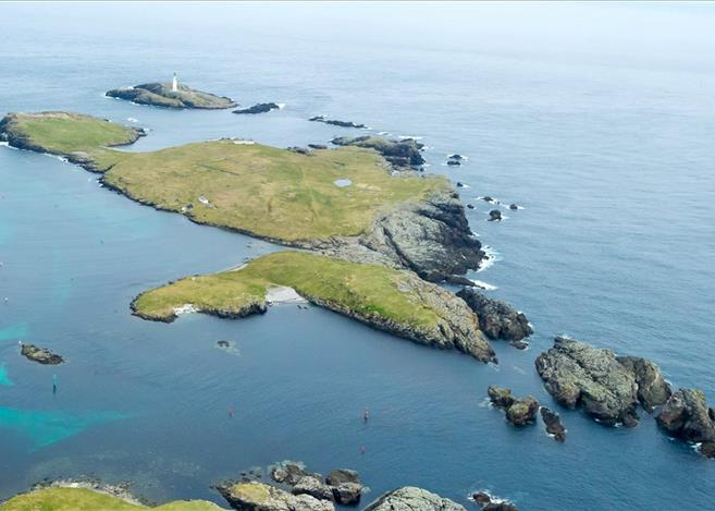 Isle of Grunay, Out Skerries, Shetland Lighthouse Buildings For Sale 3