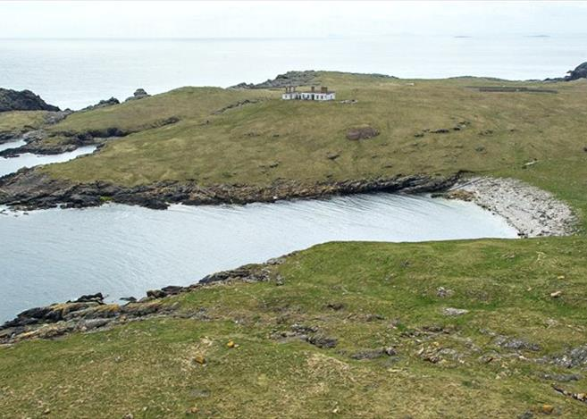 Isle of Grunay, Out Skerries, Shetland Lighthouse Buildings For Sale 6