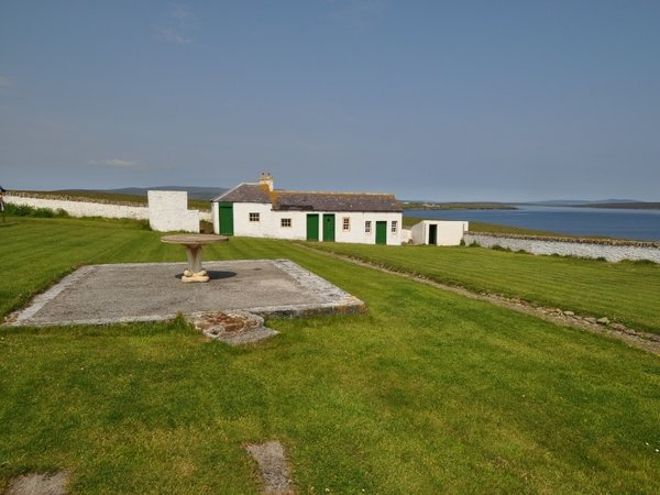Cantick Head Lighthouse Dwellings 3
