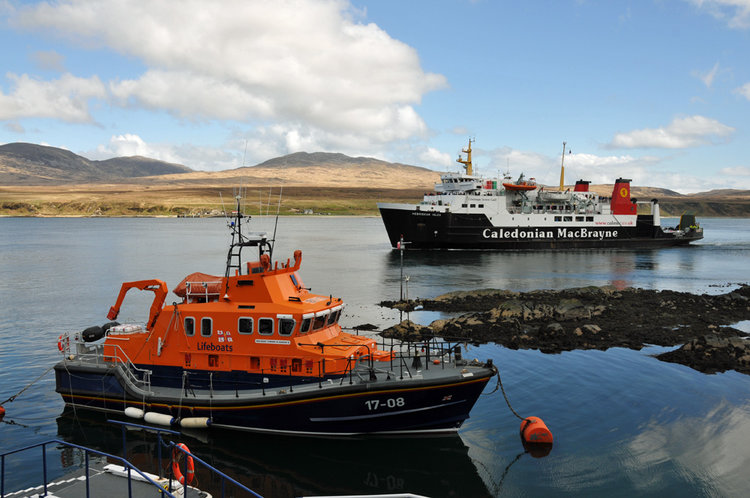Islay Ferry At Port Askaig - Armin Grewe